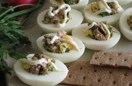 Рецепты яиц, фаршированных печенью трески: