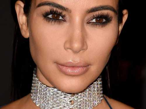 Провокационный образ: Ким Кардашьян в Cartier