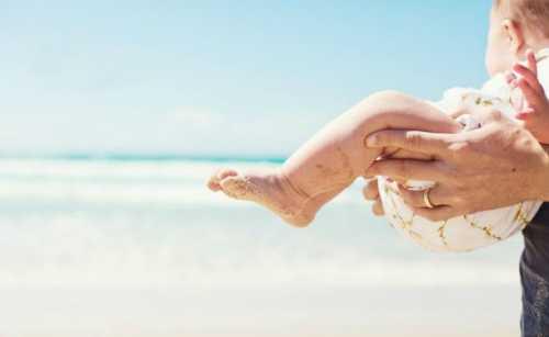 Если у вас на коже появилась сыпь, обязательно сходите на консультацию к врачу дерматологу