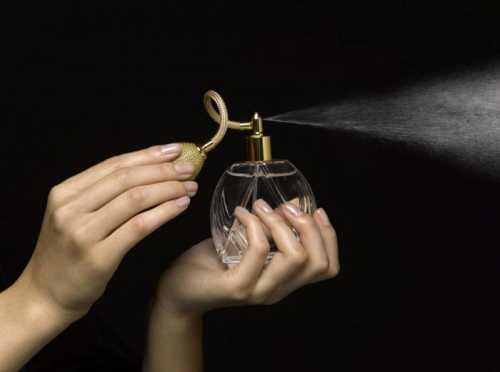 Парфюм и таулетная вода: в чем разница