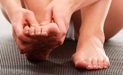Болит косточка на большом пальце ноги: причины,