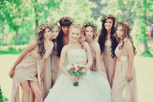 Подружка невесты: как подобрать платье